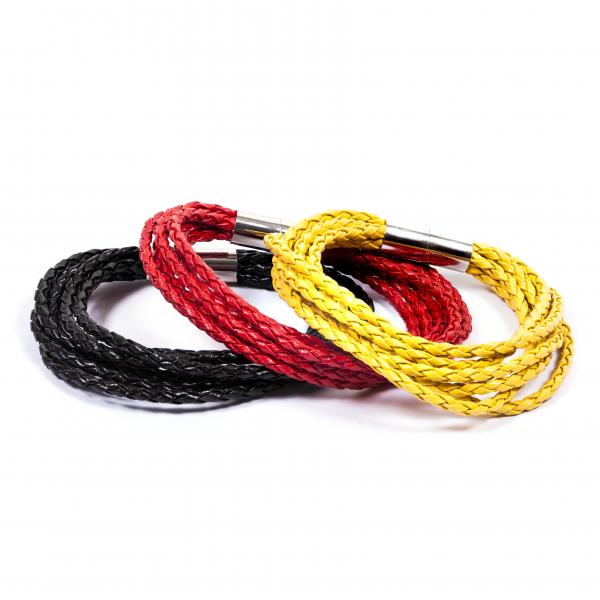 Lederarmbänder Knipser schwarz rot gelb by 12teFRAU
